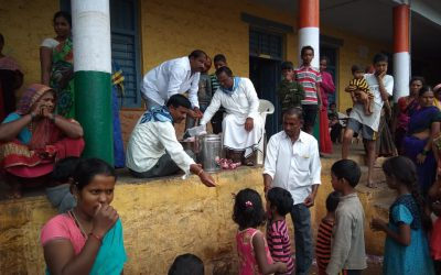 Flood relief by Bagalkot Sathya Sai Devotees